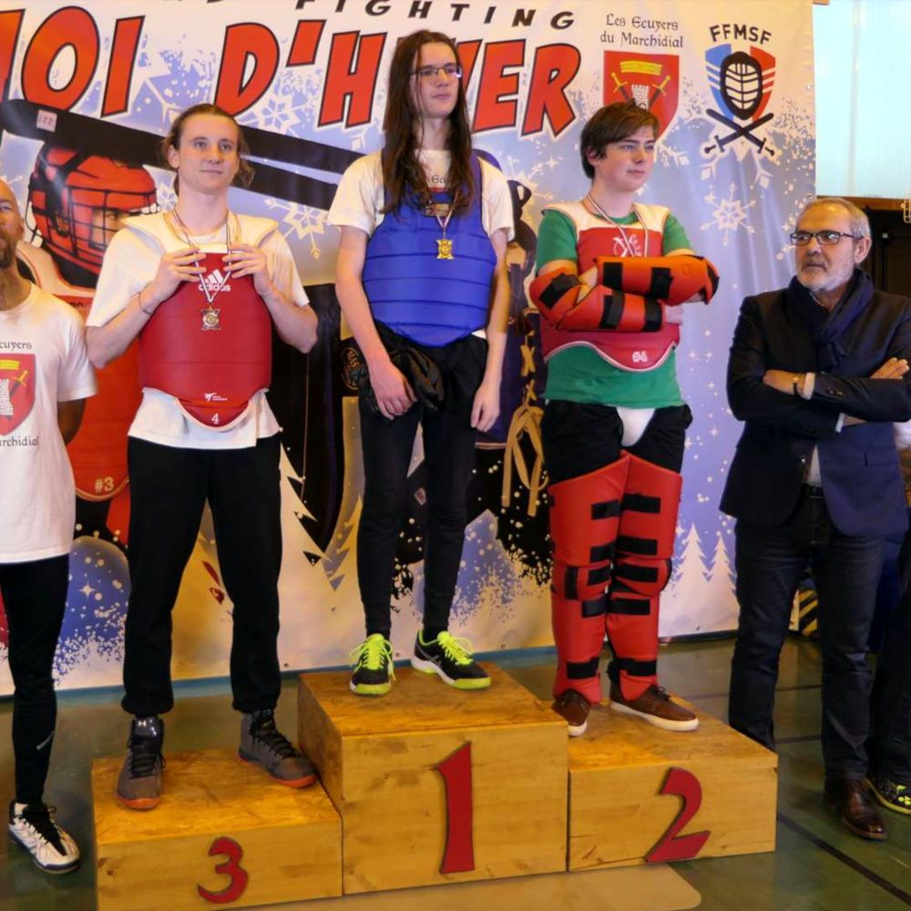 2020-01_Tournoi_Hiver-podium-junior-sabre_bouclier