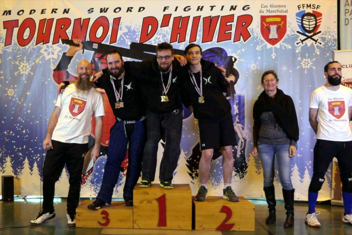 2020-01_Tournoi_Hiver-podium-senior-sabre_bouclier