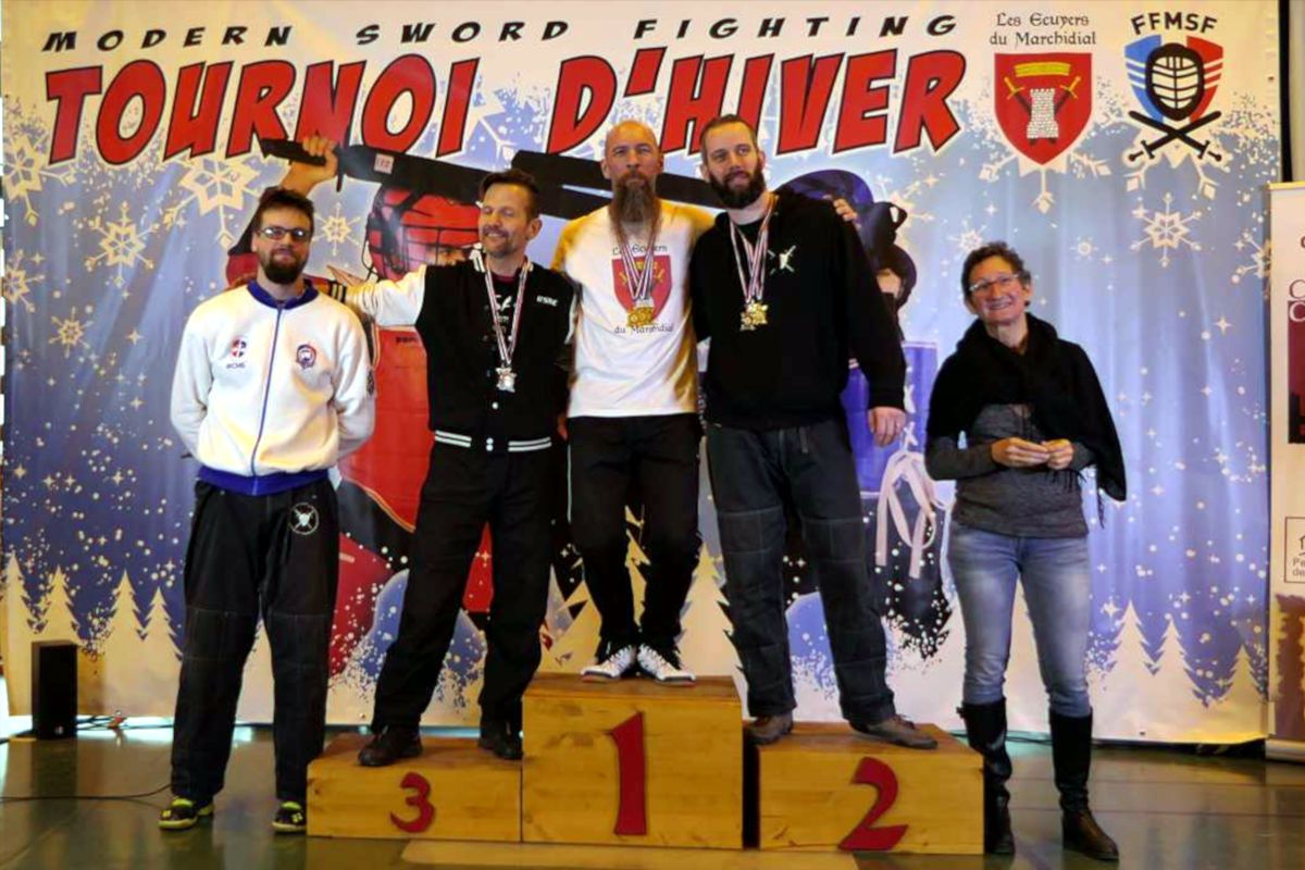 2020-01_Tournoi_Hiver-podium-veteran-sabre_bouclier